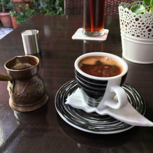 コルフのカフェでギリシャコーヒー | ケルキラ島(コルフ島)