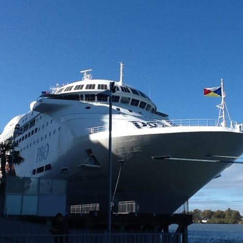 ブリスベン港に停泊中のPacific Jewel | ブリスベン(クイーンズランド州)での客船パシフィック・ジュエル