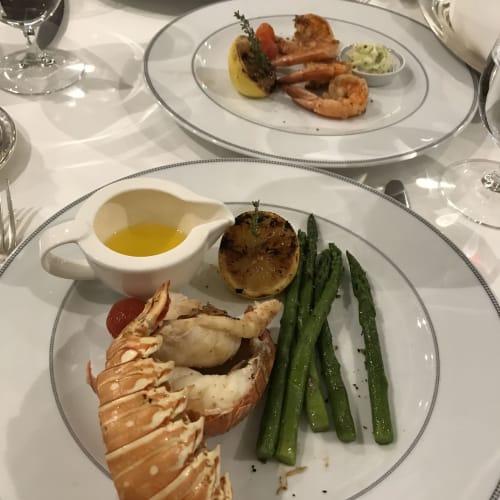 フレンチレストランのディナー | 客船セブンシーズ・マリナーのダイニング、フード&ドリンク