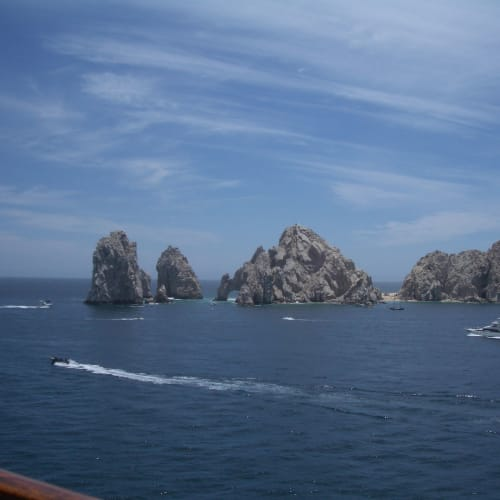 出港 カボサンルーカス(メキシコ)   サンルーカス岬