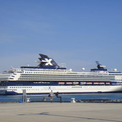 今回の船全景。 | 客船セレブリティ・センチュリーの外観
