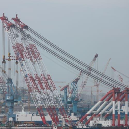 釜山港を、バルコニーから   釜山