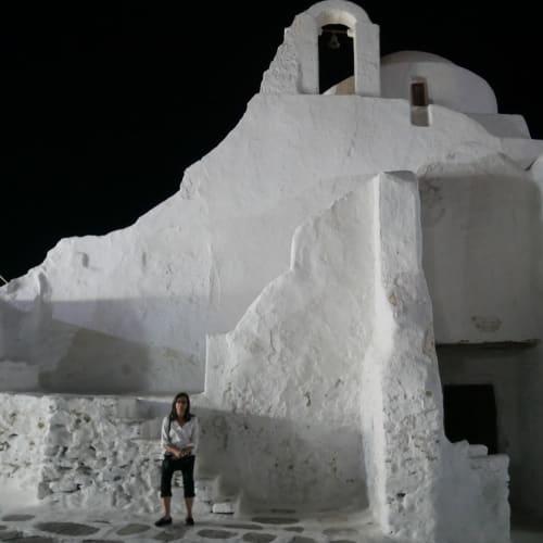 まずは、パラポルティアニ教会 不思議な教会です | ミコノス島