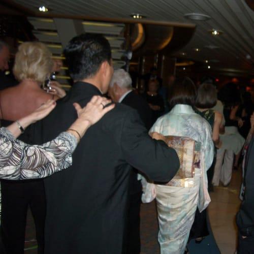フォーマルナイト パーティー | 客船サファイア・プリンセスの乗客、アクティビティ、船内施設