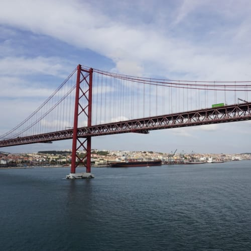 4月25日橋を越えて・・・ | リスボン