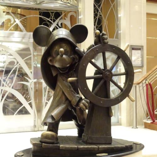 客船ディズニー・マジックの船内施設