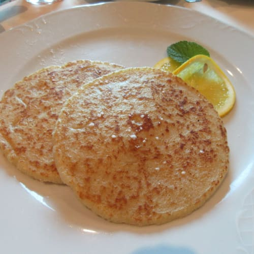 Pancake ordered for Breakfast at 5th FL Black Crab restaurant. 私はパンケーキを注文。