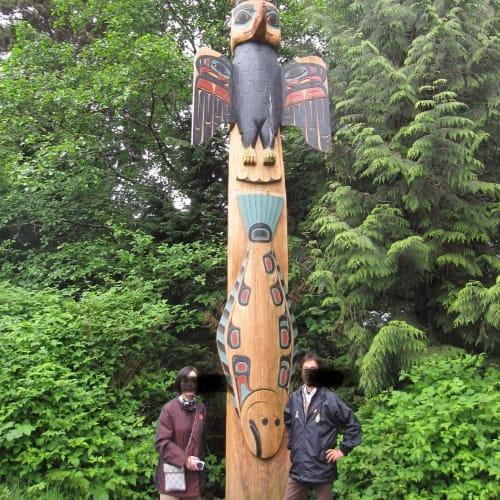 サクスマン村のトーテンポール | ケチカン(レビジャヒヘド諸島 / アラスカ州)