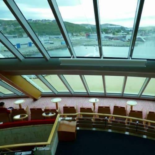 船のラウンジ | 客船MSミッドナットソルの船内施設