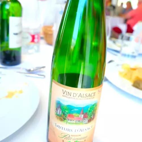 もちろんワインもアルザス地方のもの!ドリンクはインクルードです。 | 客船MSラファイエットのダイニング、フード&ドリンク