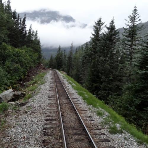 ホワイトパス・ユーコン鉄道に乗車 | スカグウェイ(アラスカ州)