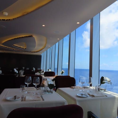 レストラン横も眺めが良いです。