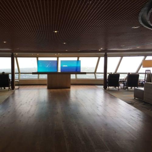 ここの席も昼食時だけは空いています   客船ウエステルダムの船内施設