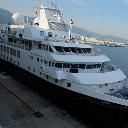 神戸ポートターミナルに見学にいきました。シルバーシー(Silversea)のシルバー・エクスプローラー(Silver Explorer)がいました! | 神戸での客船シルバー・エクスプローラー