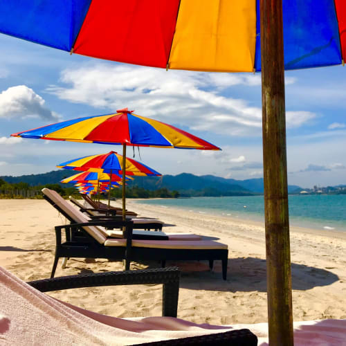 貸し切りビーチ。タクシーで40分はかかるから誰もクルーズ客は来ないようだ。40リンギ。 | ランカウイ島