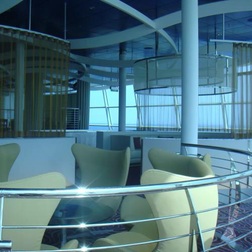 ラウンジの椅子とかもおしゃれ。   客船セレブリティ・イクノスの船内施設