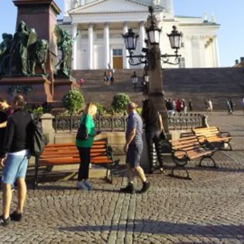ヘルシンキ大聖堂。白が朝日に映えて美しい。 | ヘルシンキ