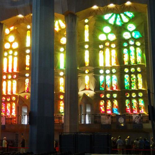 色とりどりのステンドグラス | バルセロナ