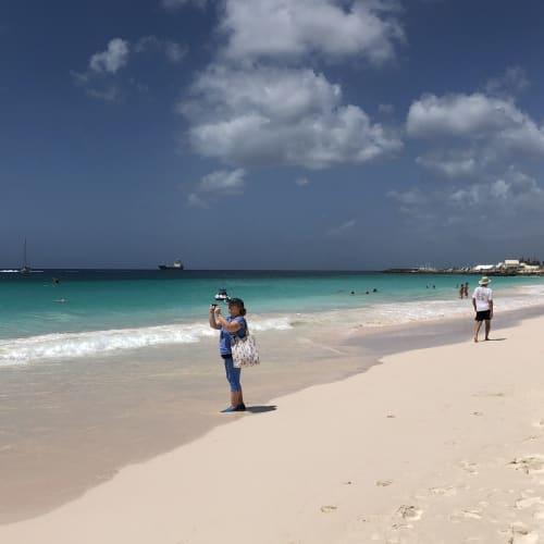 バルバドスのビーチ 海が本当にきれいです! | ブリッジタウン