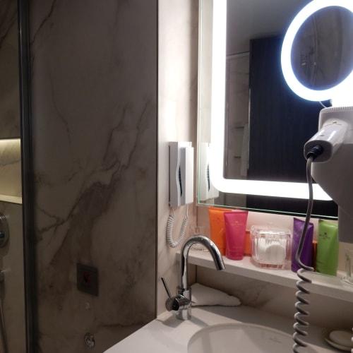 Day1#プチスイート#バスルーム | 客船クリスタル・ドビュッシーの客室