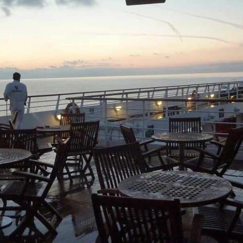 下船日 夜明け前 | 客船シーボーン・スピリットの船内施設