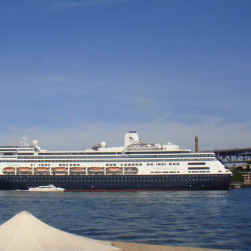 客船フォーレンダムの外観