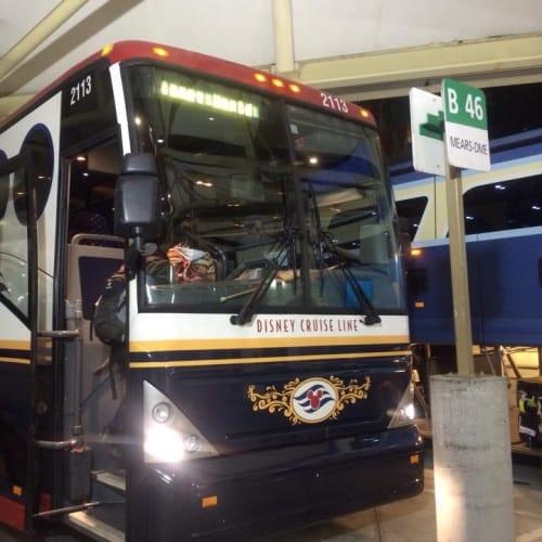 オーランド空港からのシャトルバス | ポート・カナヴェラル(フロリダ州)でのディズニー・クルーズ・ライン