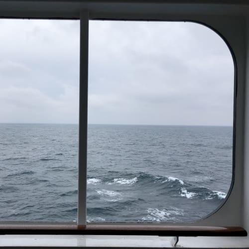 窓枠のようなインナー・バルコニー | 客船クイーン・メリー2の客室