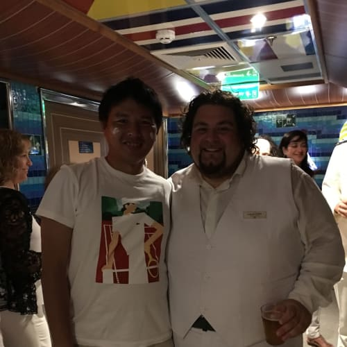 ホワイトナイトにオペラ歌手と!   客船コスタ・デリチョーザの乗客、アクティビティ