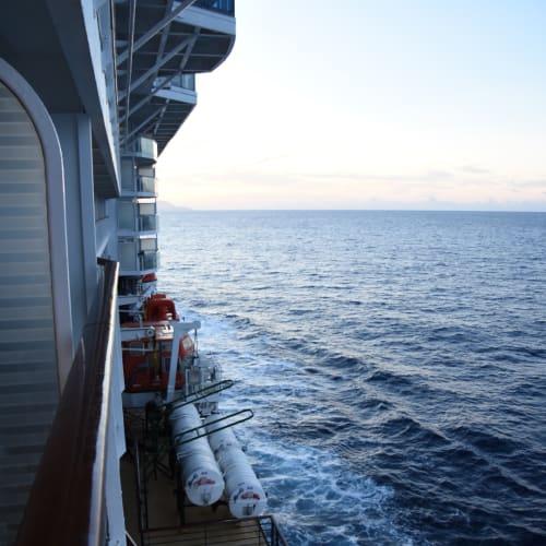 客船セレブリティ・サミットの外観