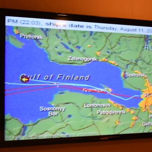 部屋のテレビ画面に写った航路図です。サンクトペテルブルグ港を出て6時間後です。   サンクトペテルブルク
