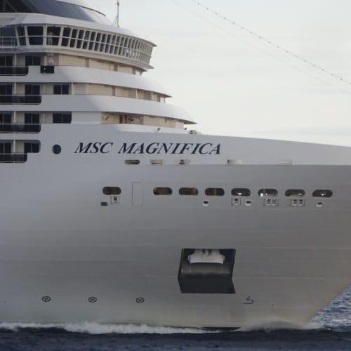 MSC Magnifica 95,128 ton | 客船MSCマニフィカの外観