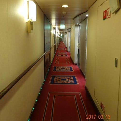 廊下が長~~い 自分の部屋に行くのにとても遠いです。 | 客船MSCスプレンディダの客室、船内施設