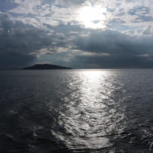 バルコニーからの眺め 多分、境港を出た辺り   境港(鳥取)での客船コスタ・ネオロマンチカ