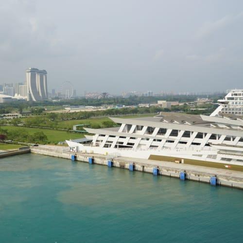 16時半出港しました。 | シンガポール