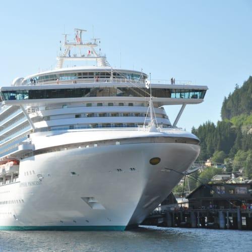 ケチカン(レビジャヒヘド諸島 / アラスカ州)での客船サファイア・プリンセス