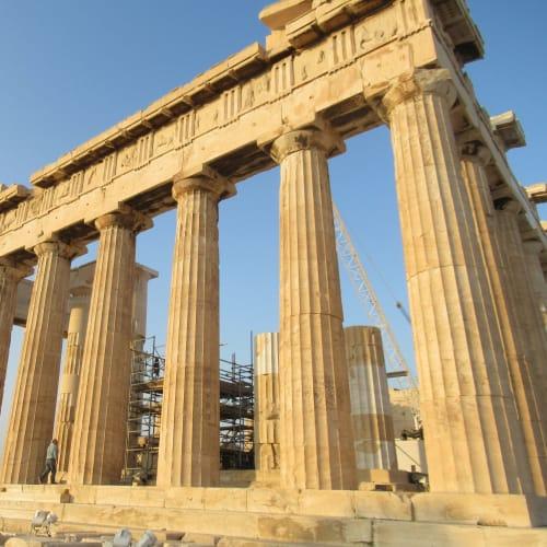 ギリシャのアクロポリスは絶対に訪れたかった。早朝だったのでとても空いていたので、観光もスムースに出来た。アクロポリスに登る朝日は最高だった | ピレウス(アテネ)