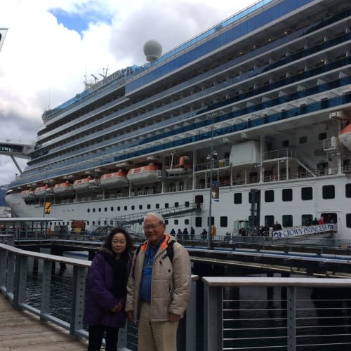 ジュノーの港で | ジュノー(アラスカ州)での客船クラウン・プリンセス