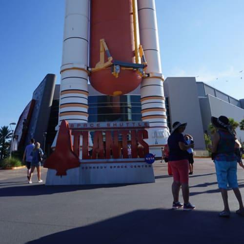 ケネディ宇宙センターのエクスカーションに参加しました。 シャトル発射体験の出来るアトラクションは、身体に感じるG体験のおかげで結構ぐったり(笑) | ポート・カナヴェラル(フロリダ州)
