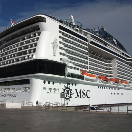 船の写真です。大きいです。 | 客船MSCメラビリアの外観