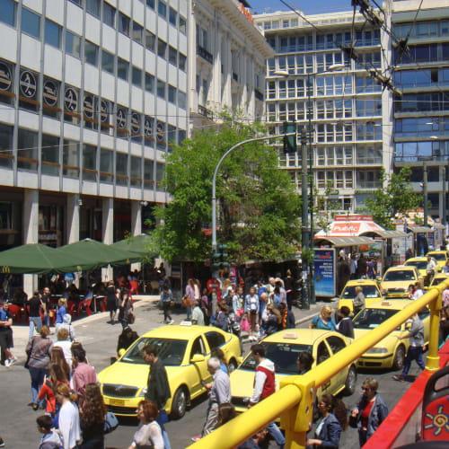 アテネ市内。 ちょうど国家財政が問題になっていた頃だが、市内は思ったよりずっと活気があって驚いた。   ピレウス(アテネ)