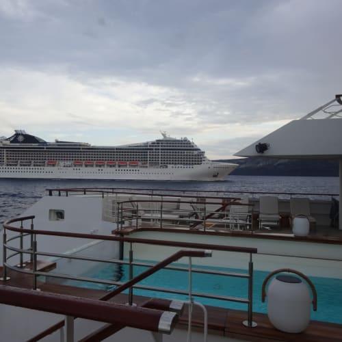 客船ル・ブーケンビルの外観