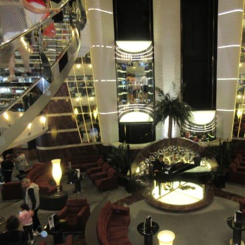 MSC Divina Lobby