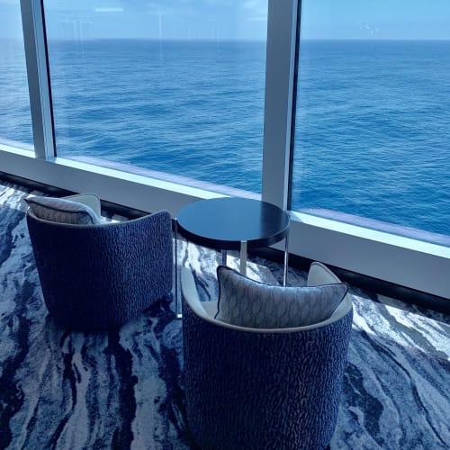 お気に入りのラウンジ4 落ち着いた雰囲気のラウンジで、暇さえあればここでのんびり過ごしていました   客船ノルウェージャン・ブリスの船内施設