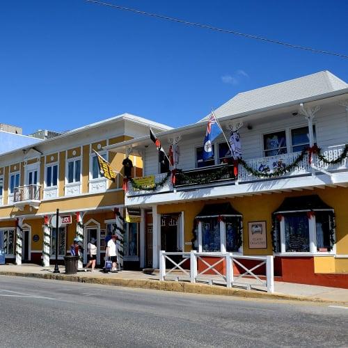 ジョージタウンの街並み | ジョージタウン(ケイマン諸島)