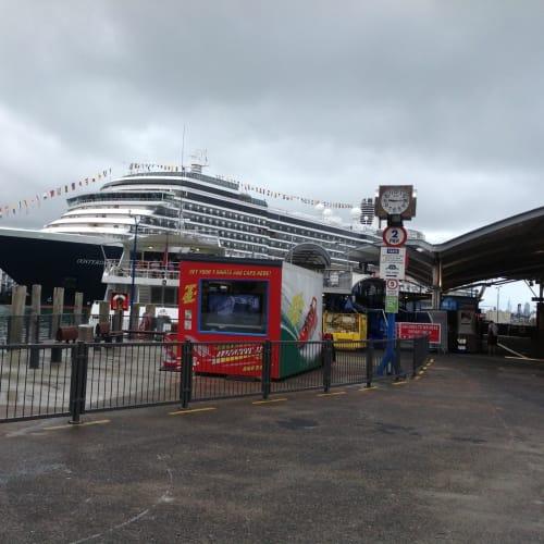 客船オーステルダムの外観