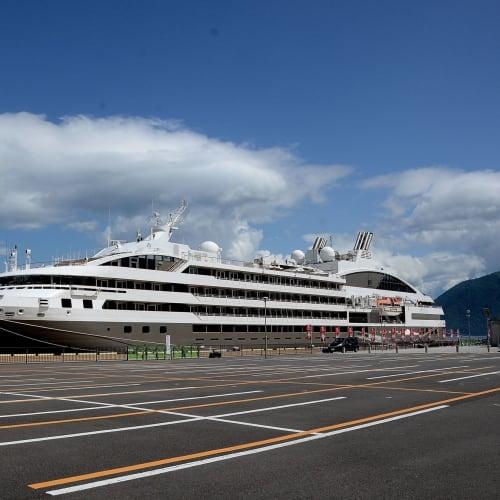 五日目:別府港に停泊中のロストラル | 別府での客船ロストラル