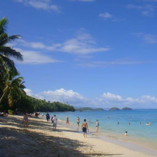 プライベートビーチのよう。   ドラビューニー島