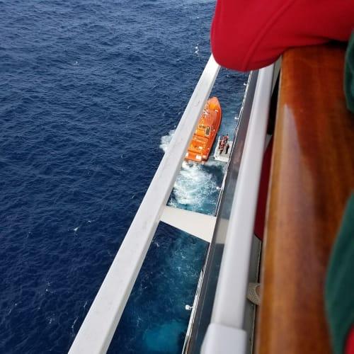難しいようです | 客船MSCマニフィカのクルー