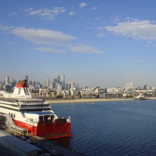 メルボルンの港(24日)